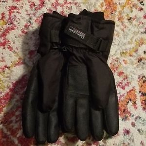 NWOT Thinsulate Gloves